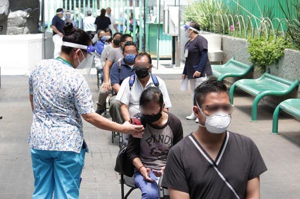 Reportan saturación de hospitales en Neza