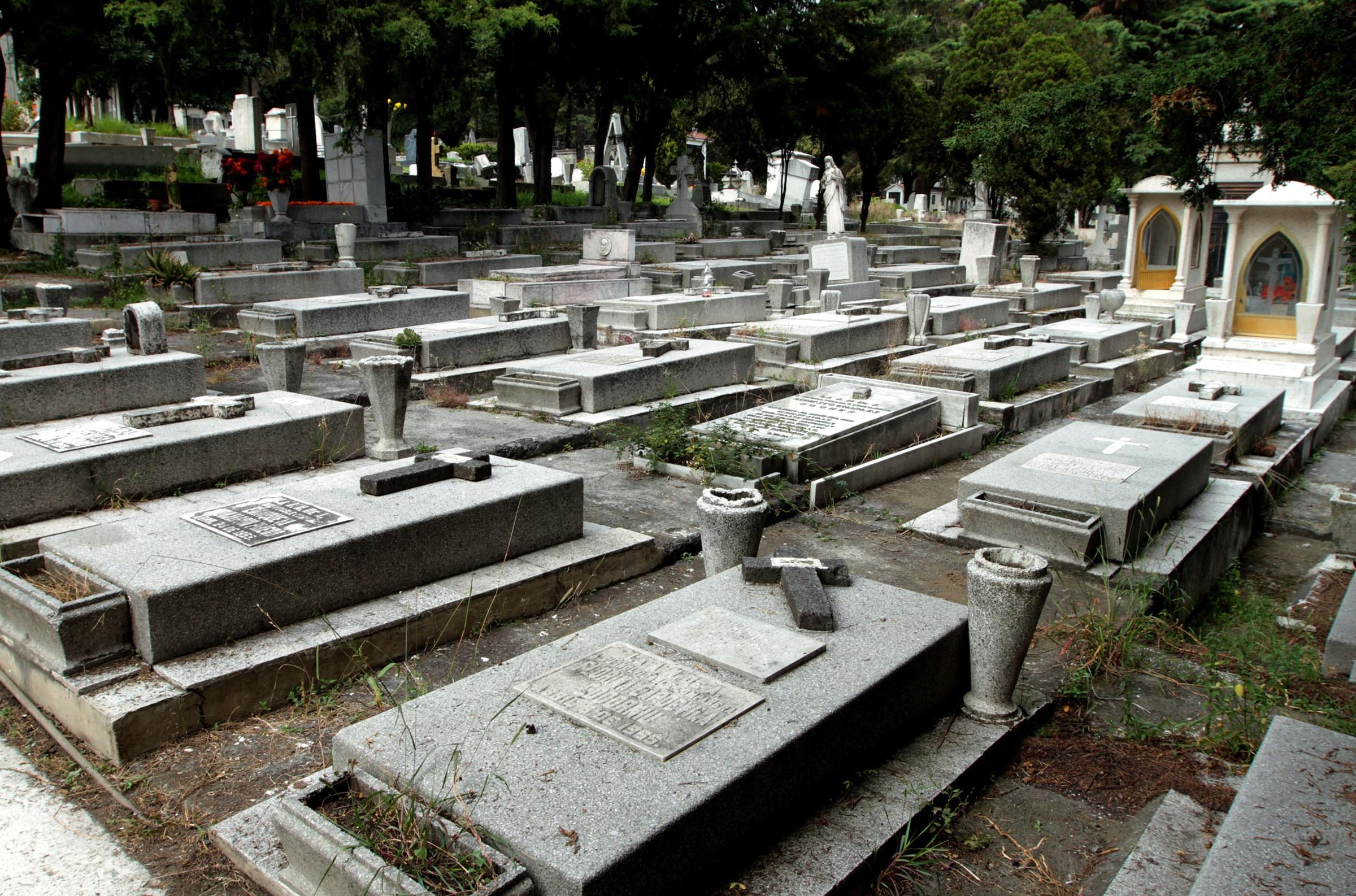 Panteones de Metepec, permanecerán cerrados del 28 de octubre al 3 de noviembre