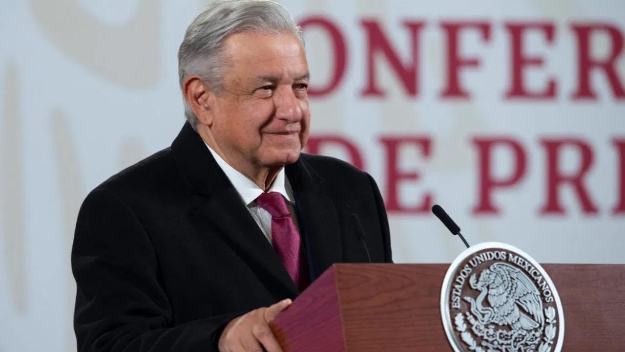 Propone López Obrador a 5 mujeres para cargos en su gabinete