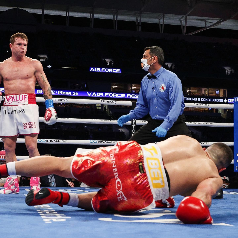 ¡Retiene el título! Canelo Álvarez vence a Yildirim