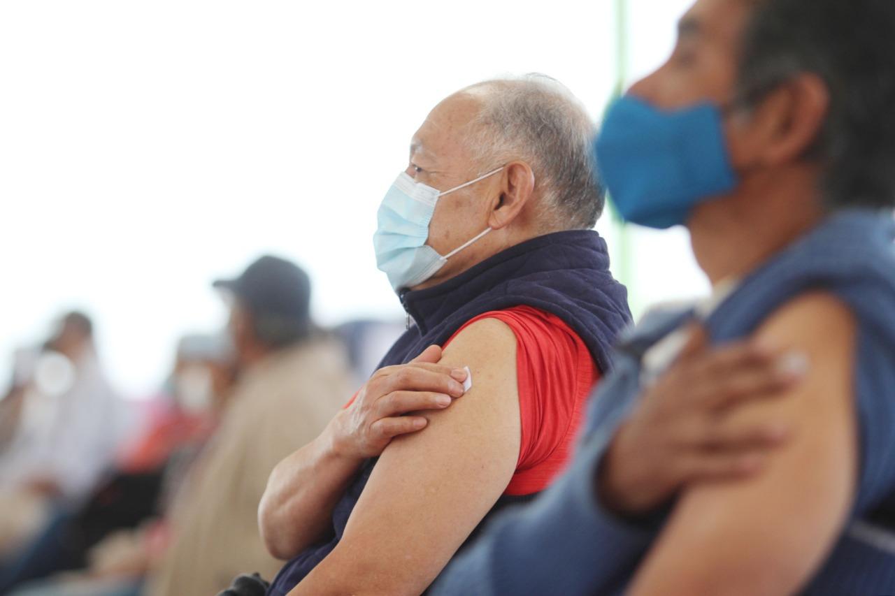 Ecatepec llega a 91 mil adultos mayores vacunados y desaparecen largas filas de los módulos