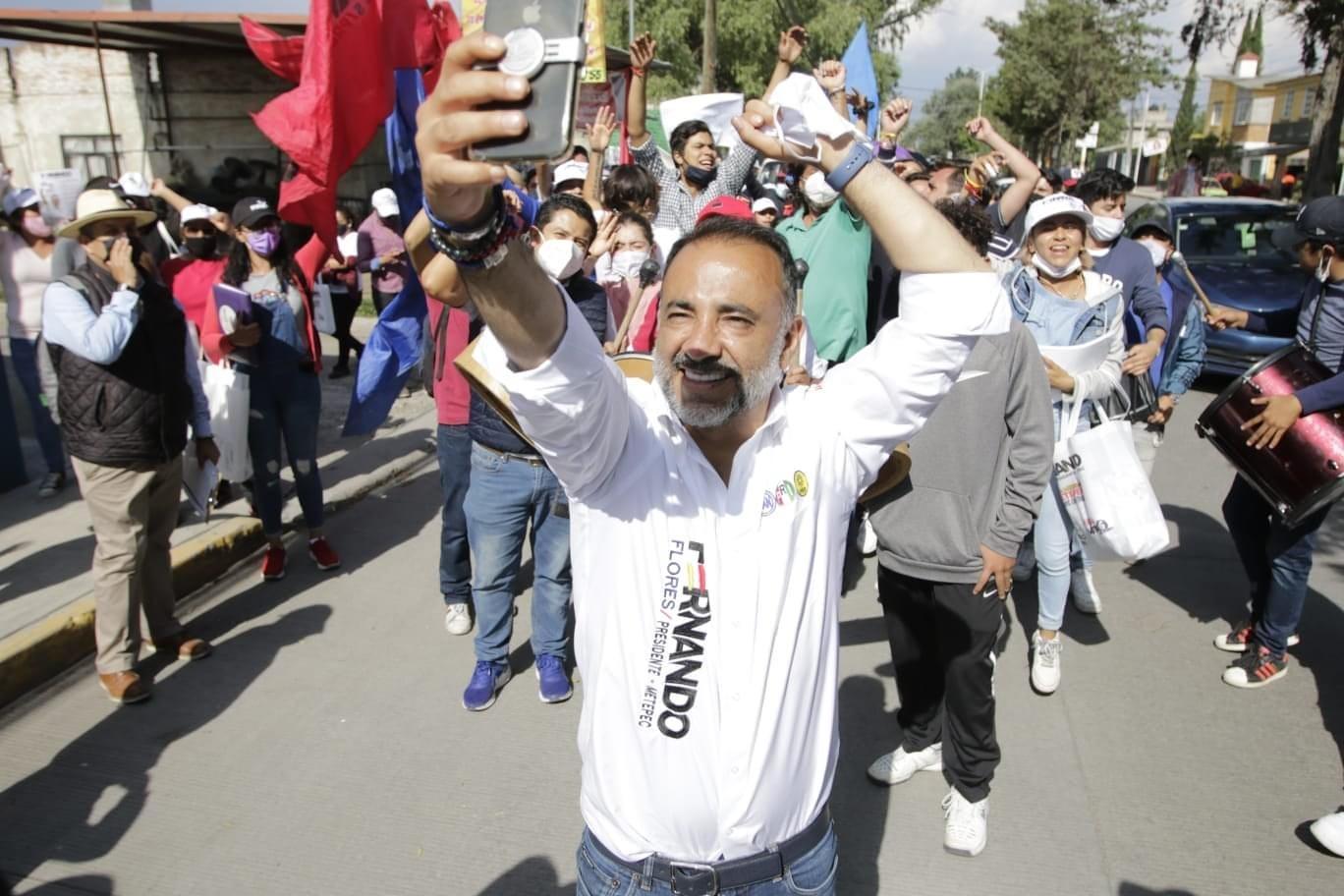 Fernando Flores a la cabeza en encuesta por la presidencia de Metepec