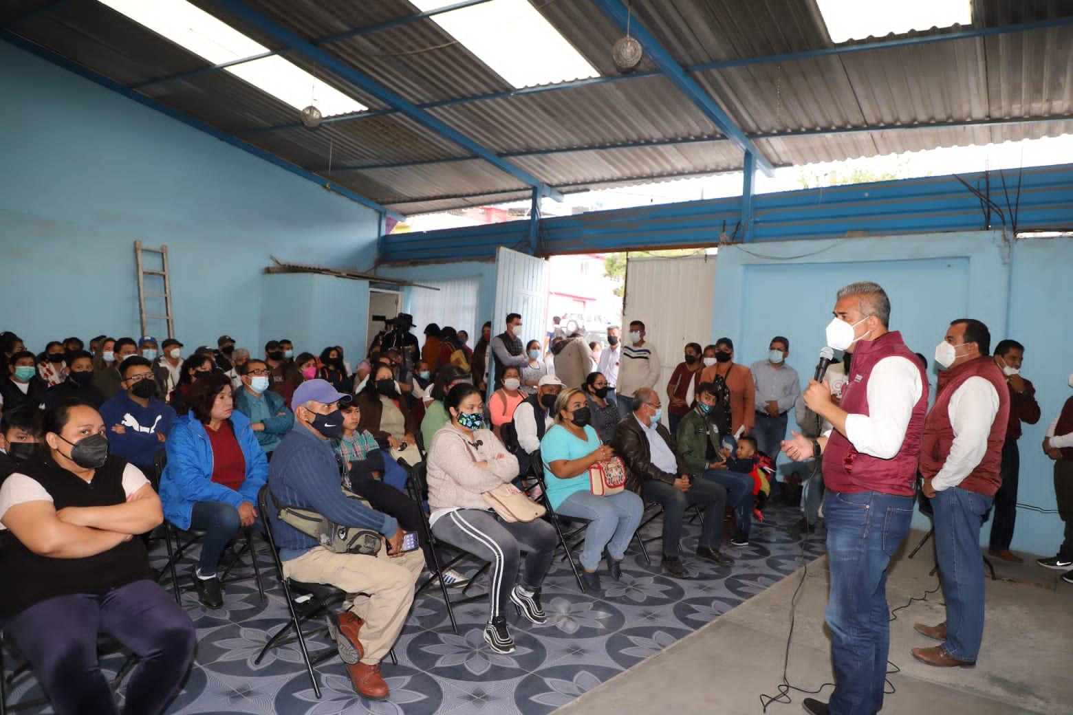 Líderes renuncian al PAN y PRD en Ecatepec para respaldar a Fernando Vilchis