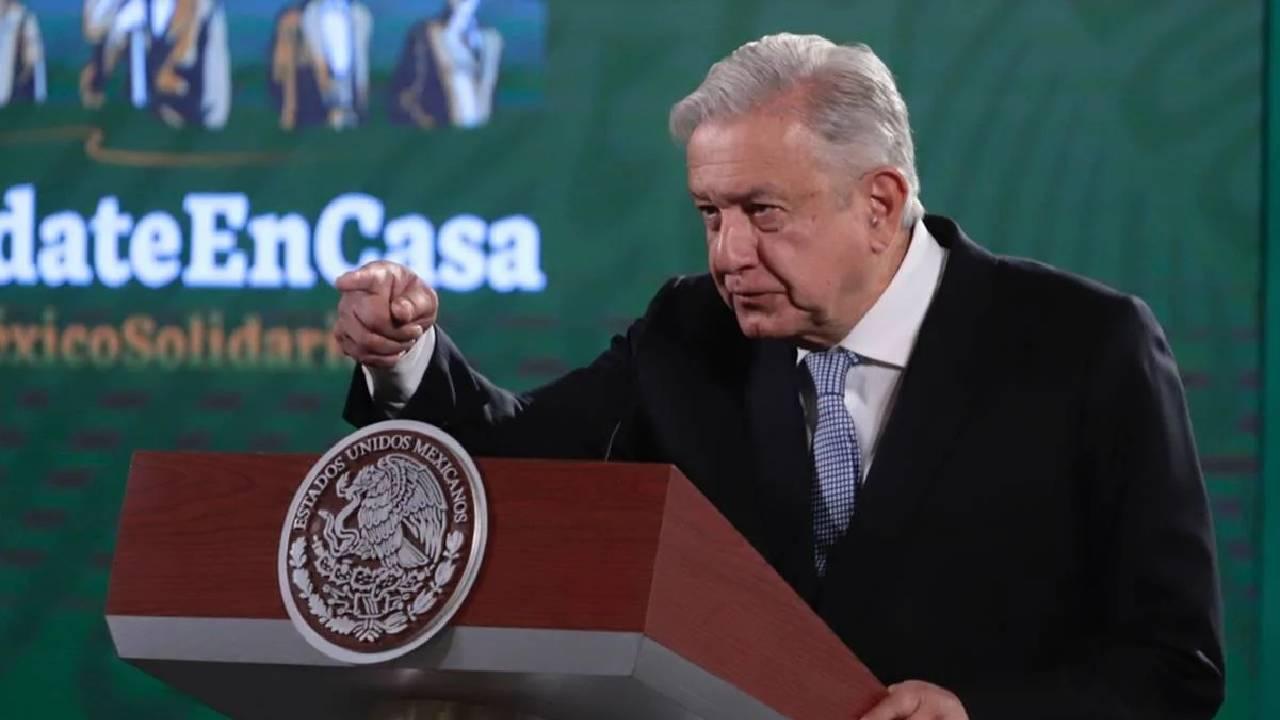 Revela AMLO que Estados Unidos entregó expediente sobre los 43 normalistas de Ayotzinapa