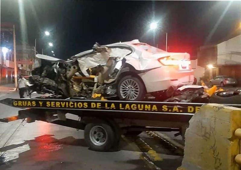 Joven ebria se impacta contra puente en Torreón