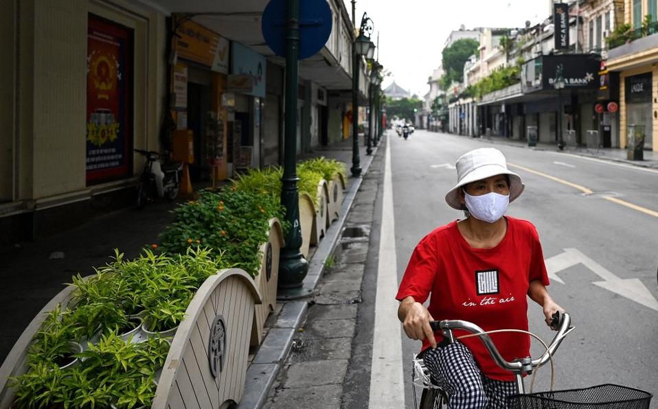 Impone Vietnam toque de queda tras alza de contagios de covid-19