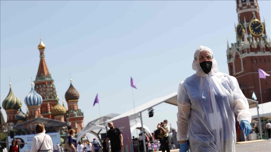 ¡Pecadores! Vacúnense o arrepiéntanse, advierten Iglesias en Rusia