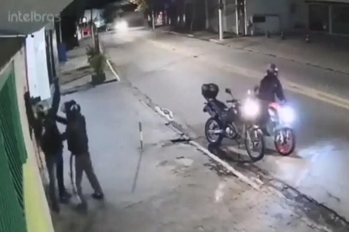 #VIDEO Asalto es frustrado luego de que policía disparara a delincuente