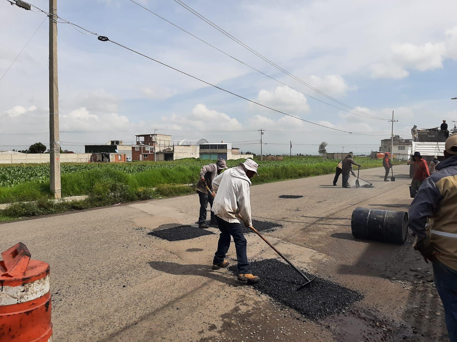 Mantiene Toluca trabajos de bacheo en sus delegaciones