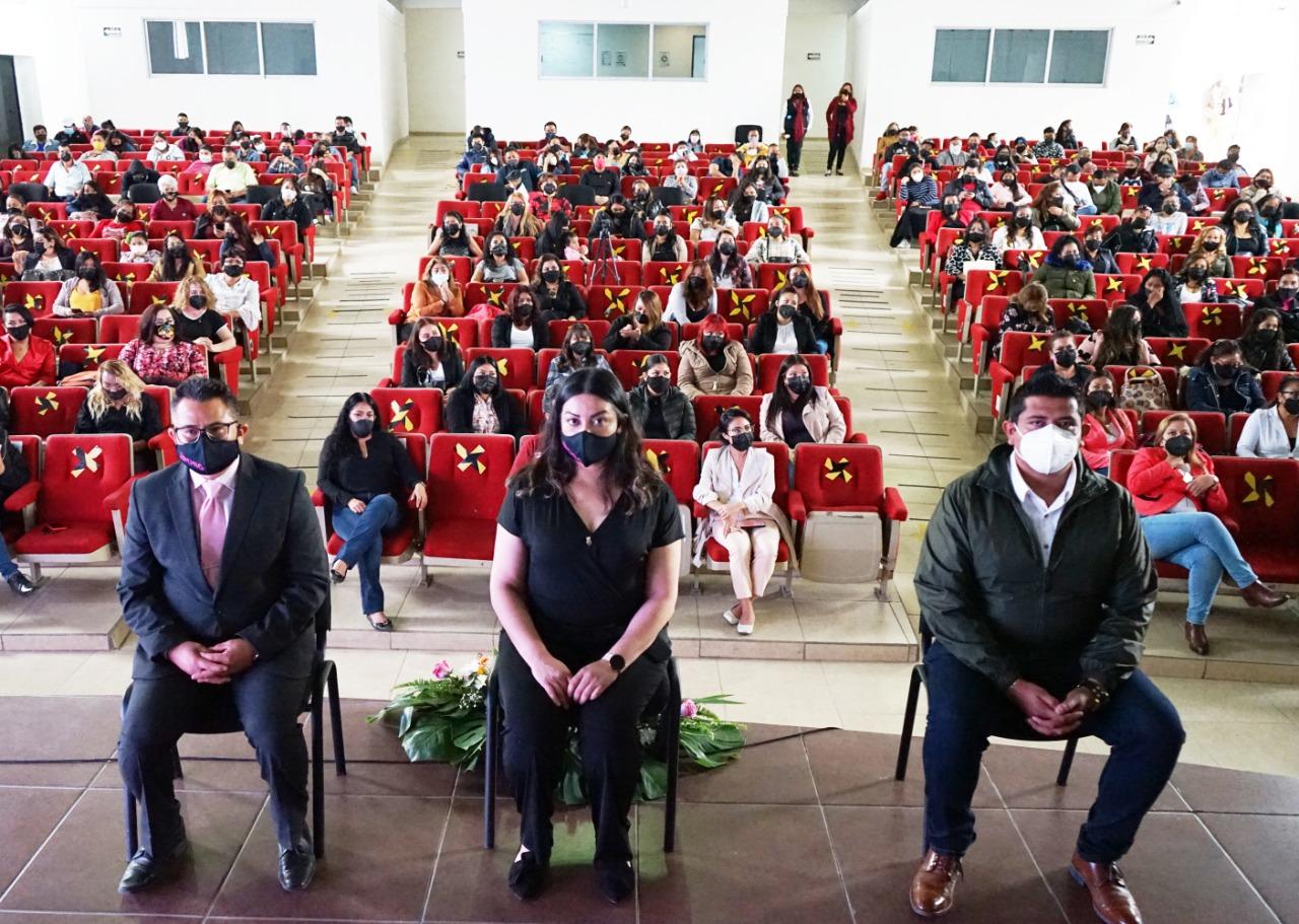 Se gradúan primeras 130 mujeres de la Escuela de Empoderamiento de Ecatepec