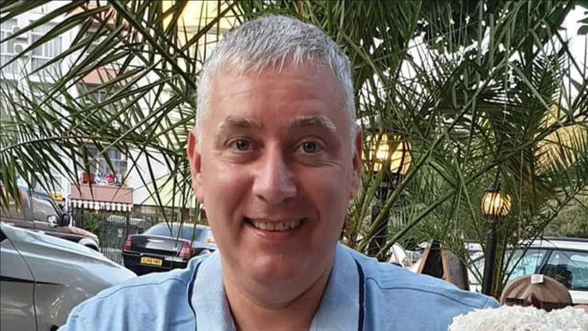El activista antivacunas David Parker falleció a causa del COVID-19 en Reino Unido