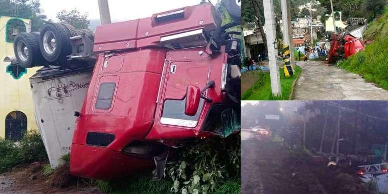 Se registra volcadura de trailer en la Naucalpan-Toluca