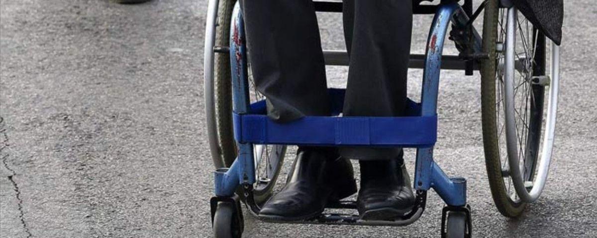 #Video Justiciero persigue a ladrón que robó a persona en silla de ruedas