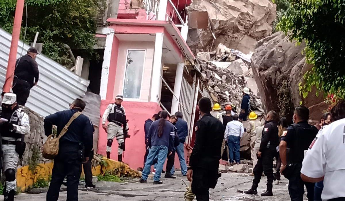 Evacuan más de 80 casas por riesgo en Cerro del Chiquihuite
