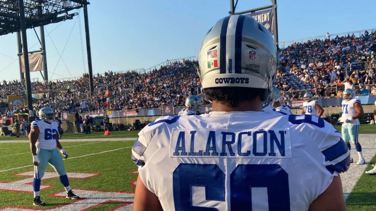 Isaac Alarcón se mantiene en el equipo de prácticas con los Vaqueros de Dallas