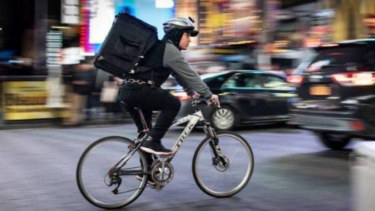 #VIDEO Repartidor de pizzas que dejó sin vida al ladrón que le robó su bicicleta podría ser condenado a cadena perpetua