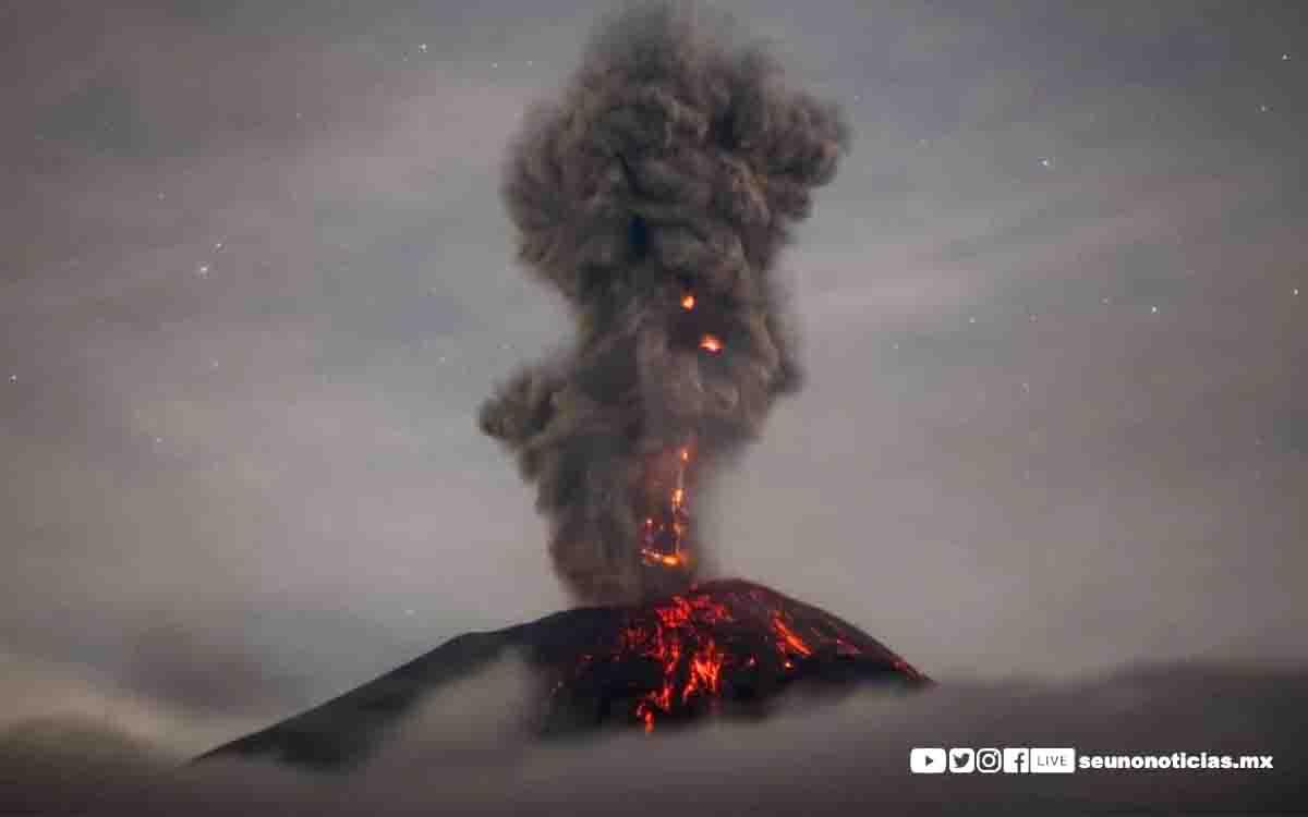 Fuerte explosión se registró en el Volcán Popocatépetl , durante la madrugada