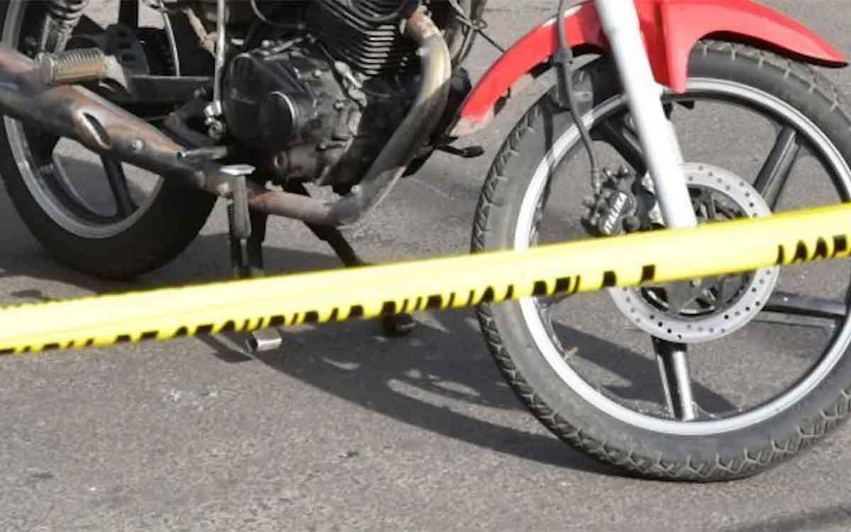 #Video joven muere al impactar su moto contra la puerta de un auto