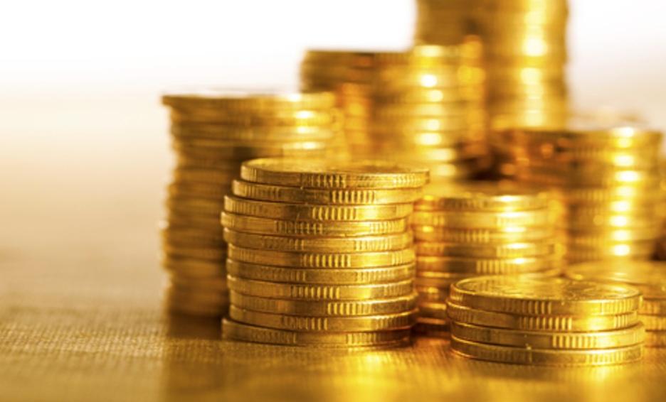"""""""Un golpe de suerte"""" pareja remodela su mansión y halla cientos de monedas"""