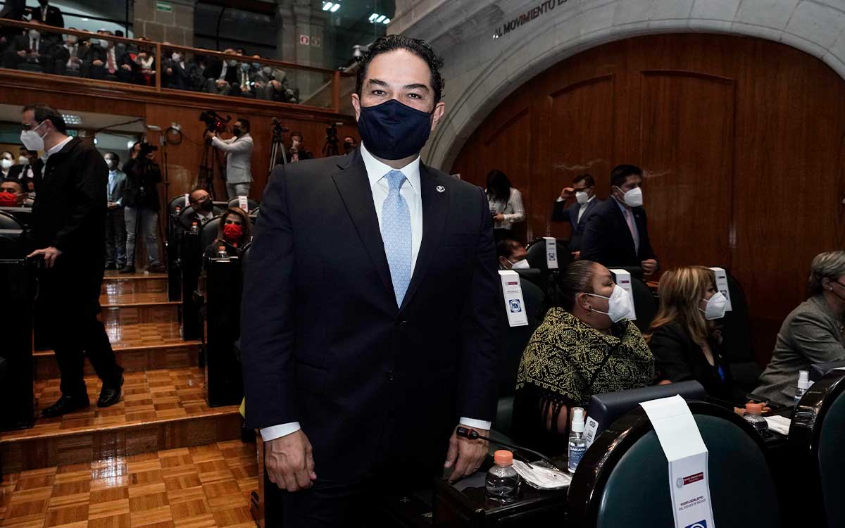 """""""No somos iguales"""" Responde Enrique Vargas a Higinio Martínez"""