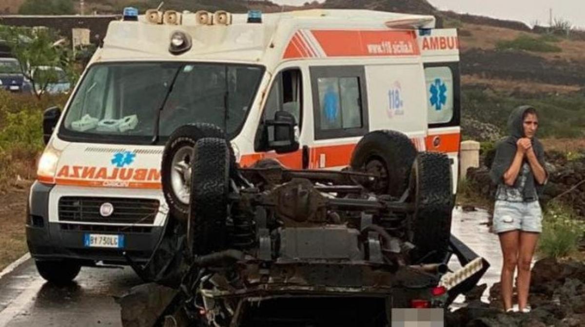 #VIDEO Dos muertos y tres heridos tras el paso de tromba en Sicilia, Italia