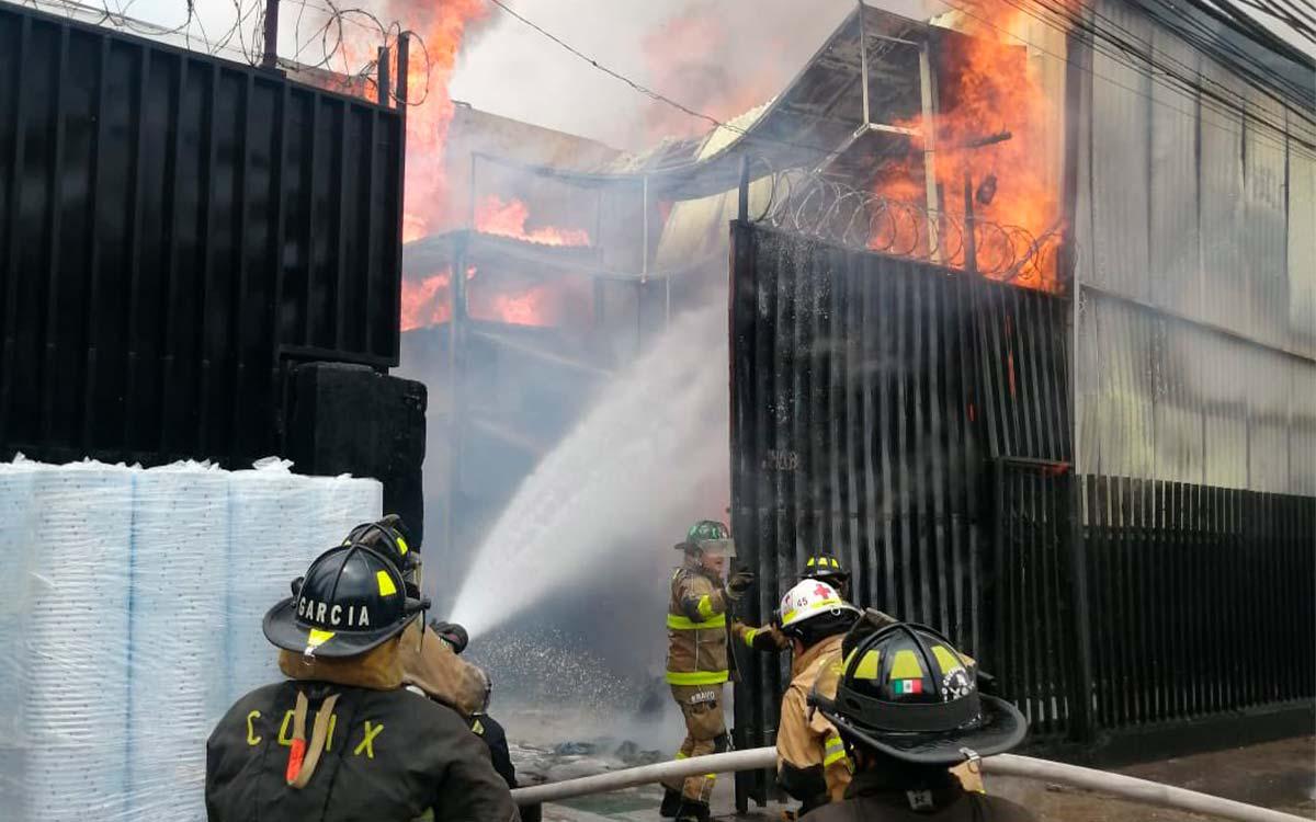 #Video Incendio devora bodega de alimentos en Edomex