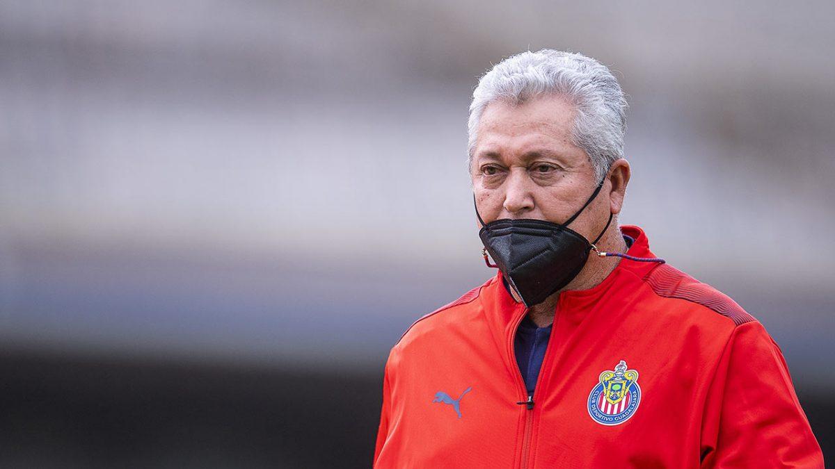 Chivas cesa a Victor Manuel Vucetich, a una semana del Clásico Nacional