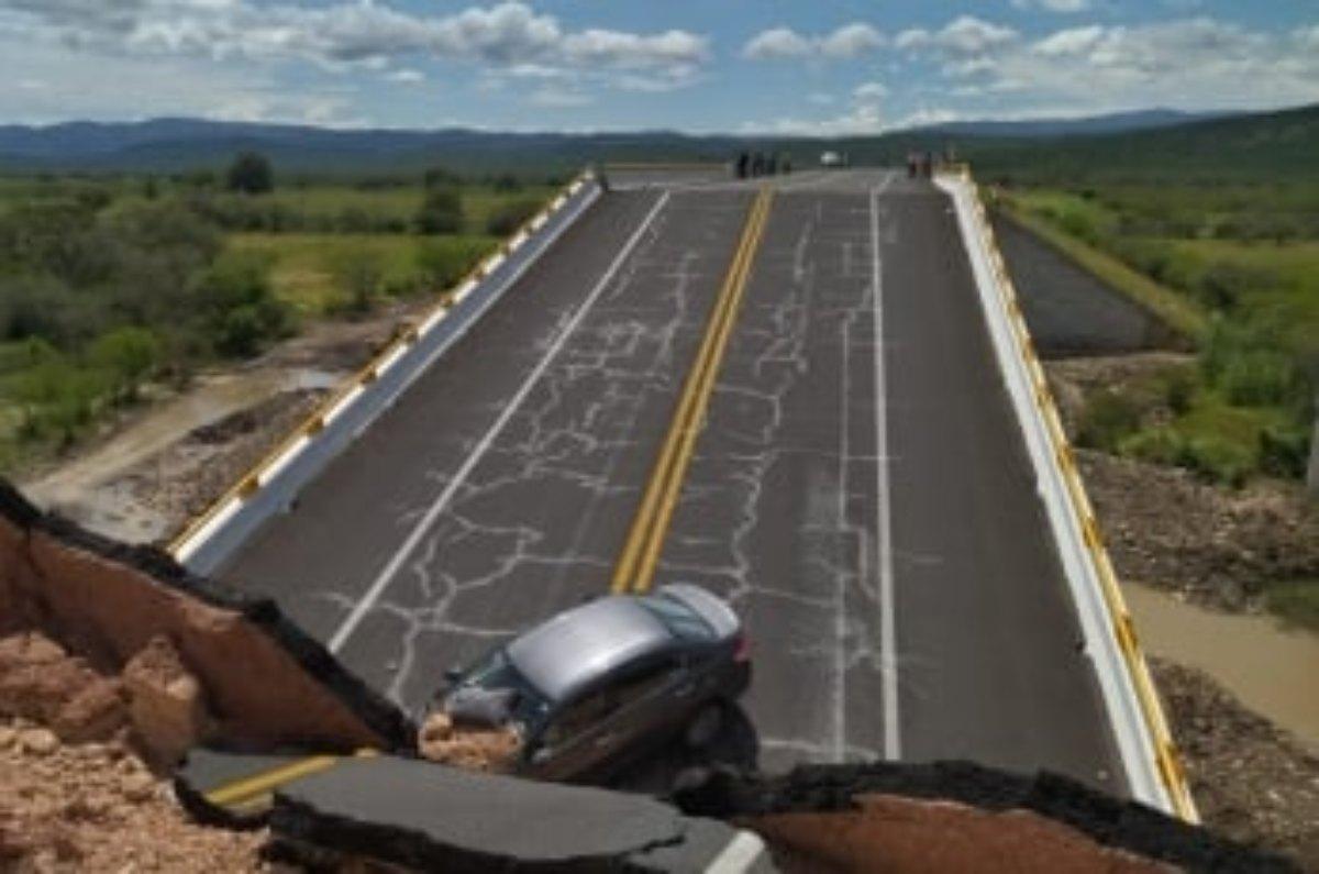 Colapsa puente vehícular en San Luis Potosí; reportan un muerto y 4 heridos