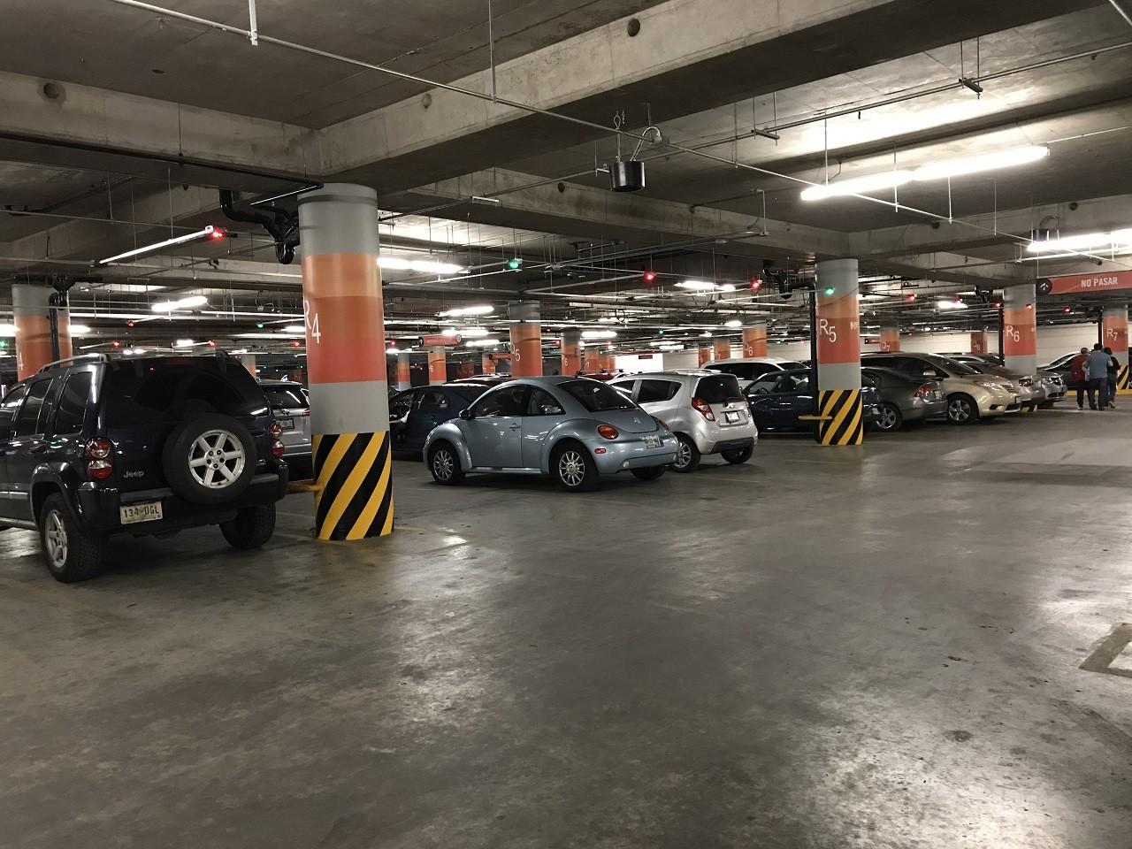 Oaxaca no cobrará estacionamiento en plazas y centros comerciales, aquí la razón