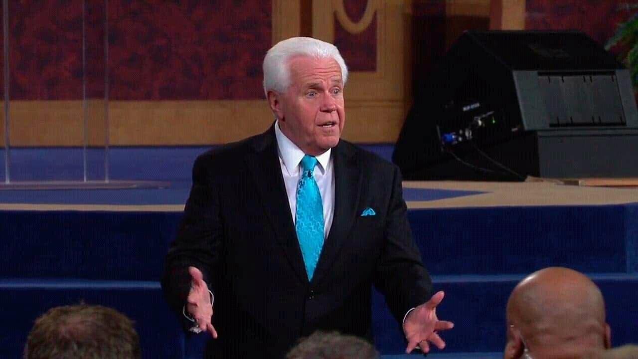 """Pastor pide más dinero a sus fieles de EU para """"acelerar"""" el regreso de Jesús"""