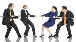eficaz, empleo, empresarios, personas peleando, diferenciación