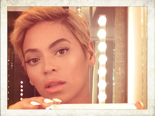 The internet went crazy when Beyonce debuted her fierce pixie cut on Instagram on August 7! Even though she's already added extensions in to lengthen her 'do, Bey's big chop was definitely one of the highlights of our summer.