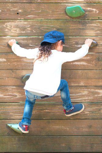Escalade - motricité libre à la maison #escaladeenfant #montessori