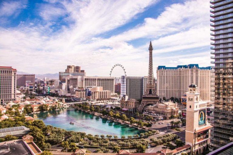 Развлечения Лас-Вегаса. Пейзаж города сверху