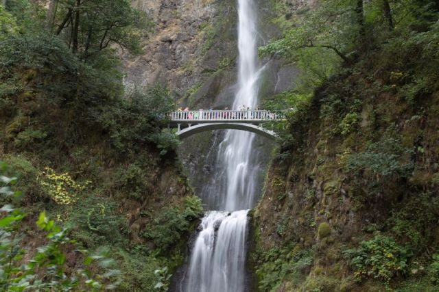 Орегон. Водопад Малтнома. Мост Бенсона