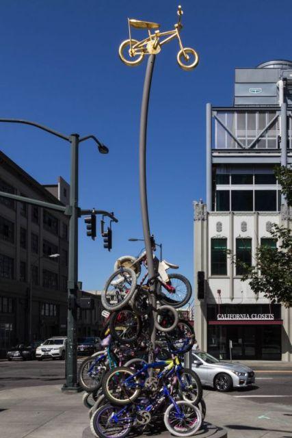 Портлендские умельцы соорудили статую из велосипедов