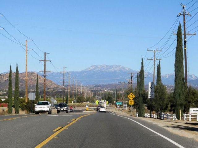 Rancho California Rd. Дорога в Temecula Valley