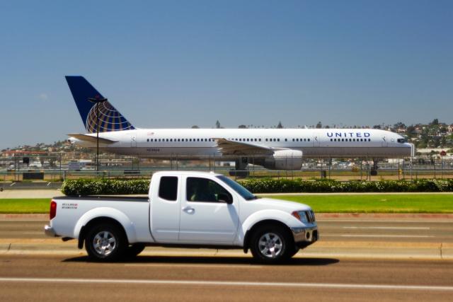 Аэропорт Сан-Диего. Боинг 757-200 (Boeing 757-200) компании United Airlines