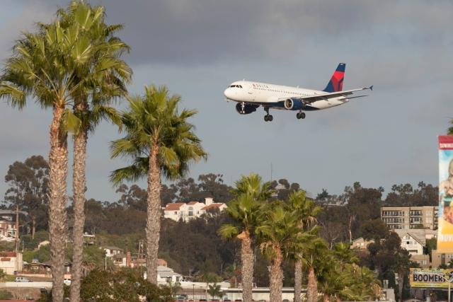 Аэропорт Сан-Диего. Аэрбас 320 (Airbus 320) компании Delta