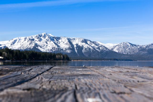 Озеро Тахо (Lake Tahoe) ранним февральским утром