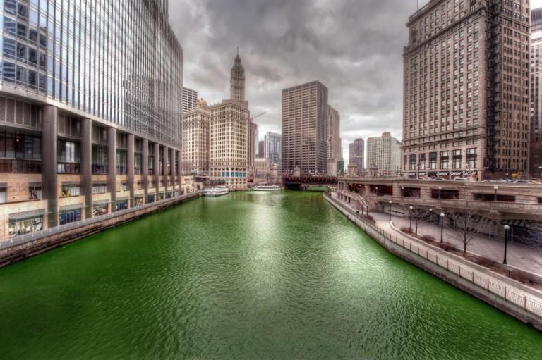 Река Чикаго День Святого Патрика. Chicago River St. Patrick Day