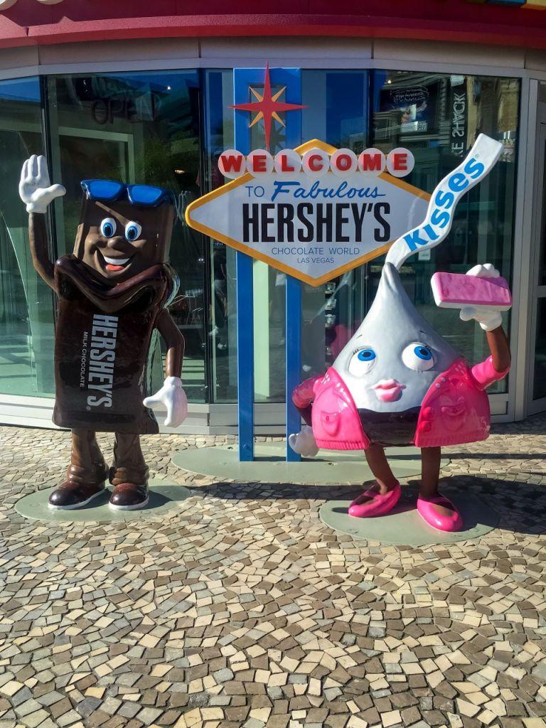 Hershey's шоколадки на главной улице Лас-Вегаса