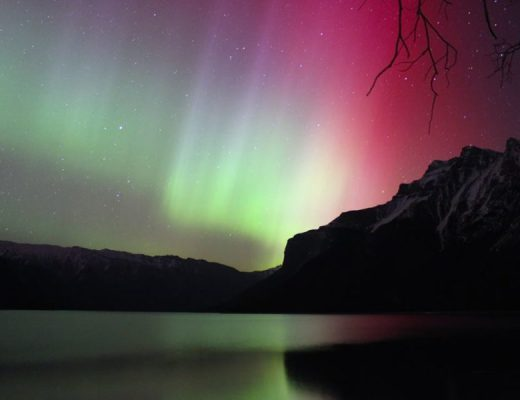 Guide to Watching and Photographing the Northern Lights and Aurora Borealis!