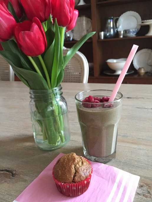 raspberry-banana-spinach smoothie; gluten free blender muffin