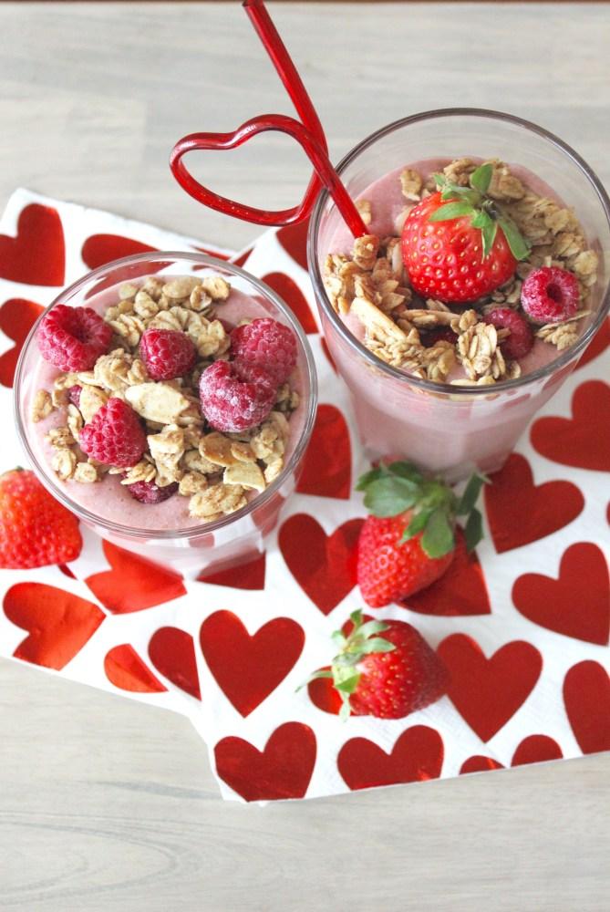 Valentine's Day Pink Smoothie recipe; healthy valentine's day food for kids