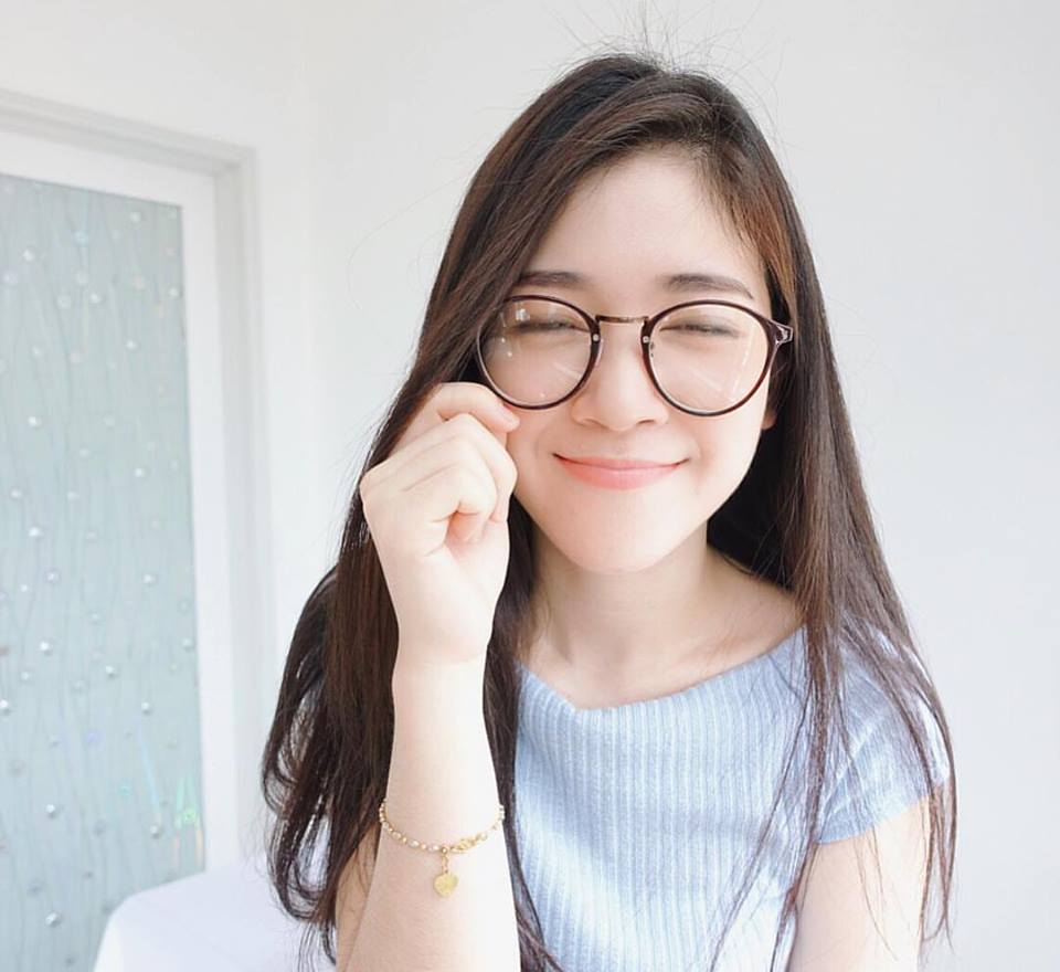 6 Malaysian Girls With Glasses That Are Super Cute  Sevenpiecom Because Everyone -3128