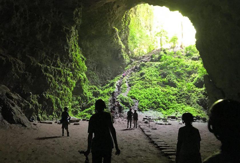 Em Surasak travel blogger for sevenseas media caving