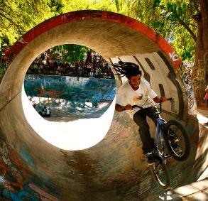Bike trick, Quito