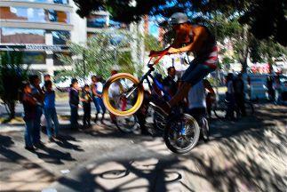 Flying bike, Quito