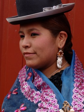 Jewellery is a hugely important accessory for a cholita.